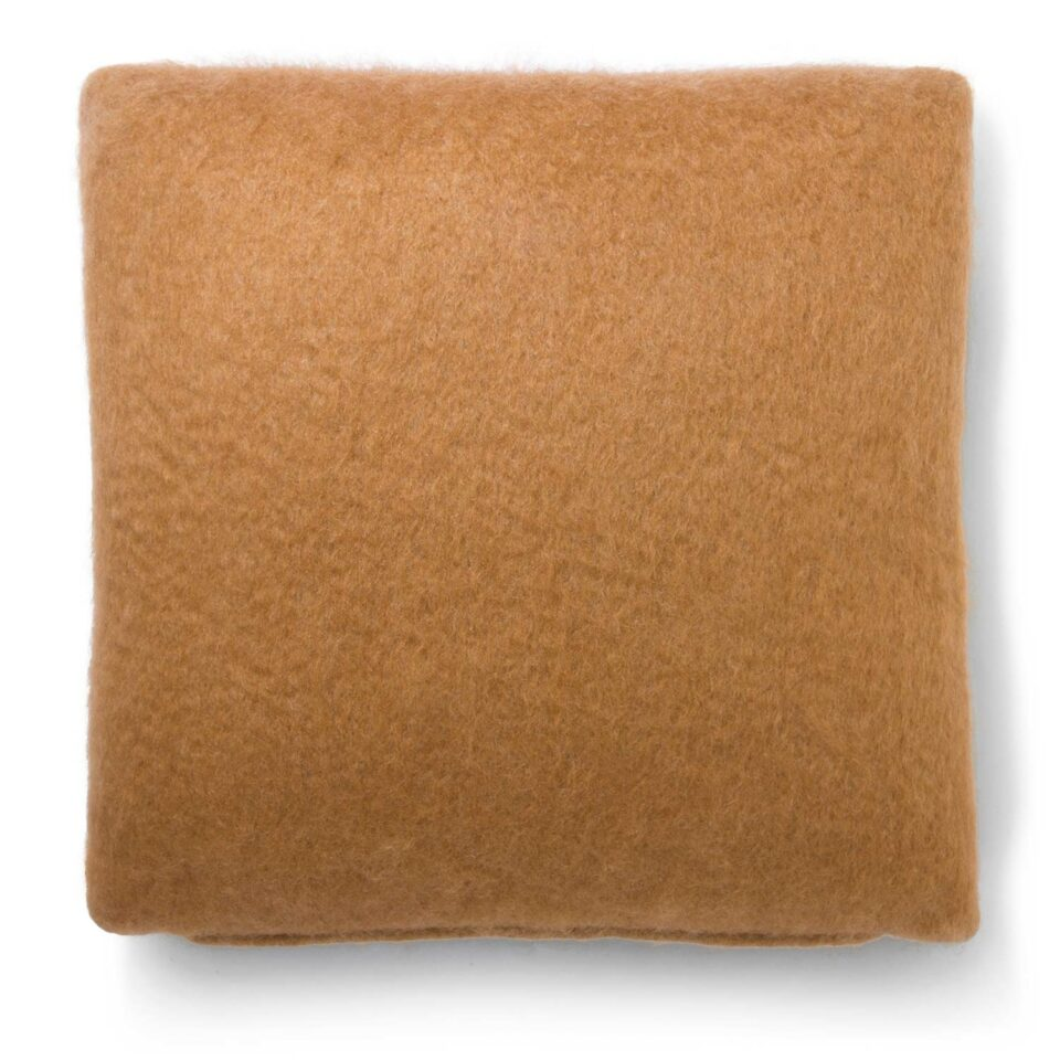viso_project_mohair_pillow_v03_camel_2